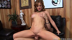 Jumping on top, the fabulous babe rides that dick with great enthusiasm